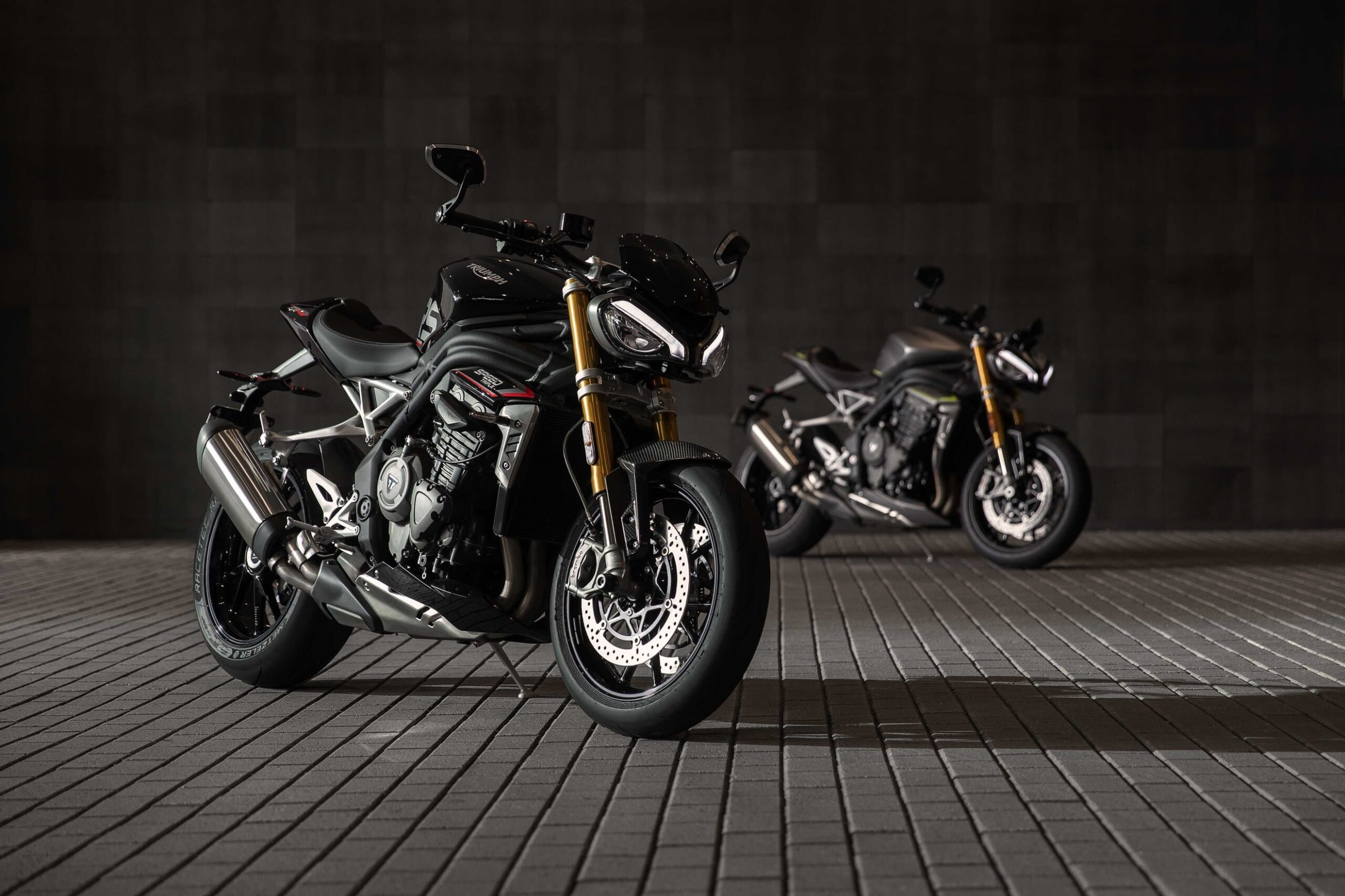 Speed Triple RS_MY21_Joint_AG0I8122_ML