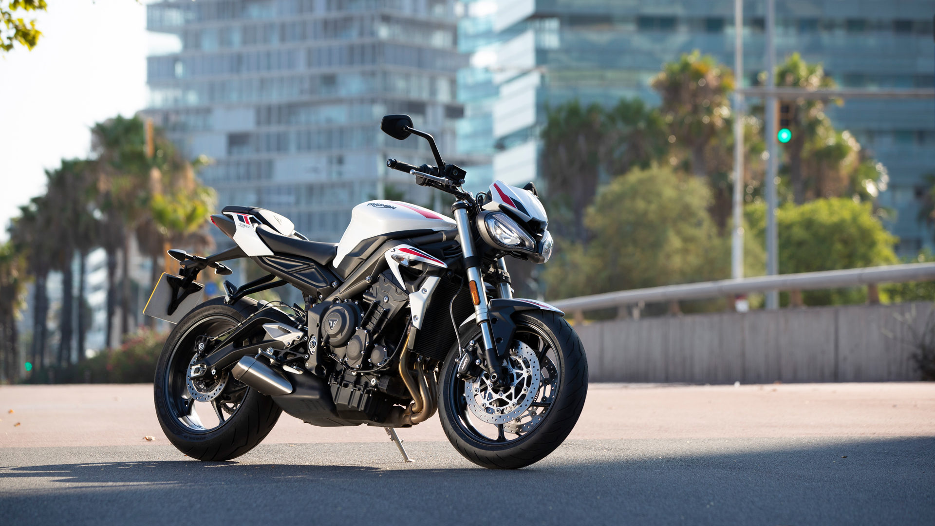 Street-Triple-S-20MY-Variant-Page-Gallery4-1920x1080px