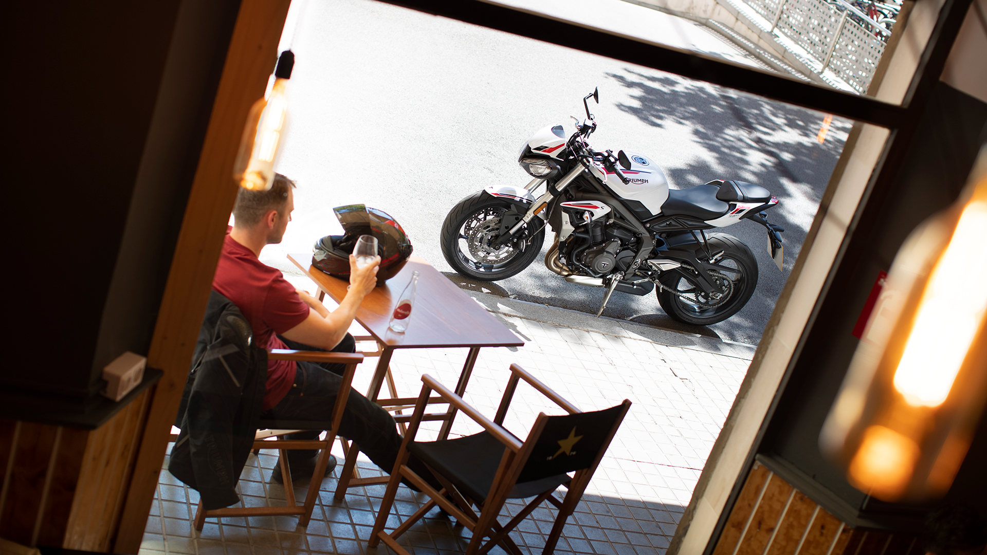 Street-Triple-S-20MY-Variant-Page-Gallery5-1920x1080px