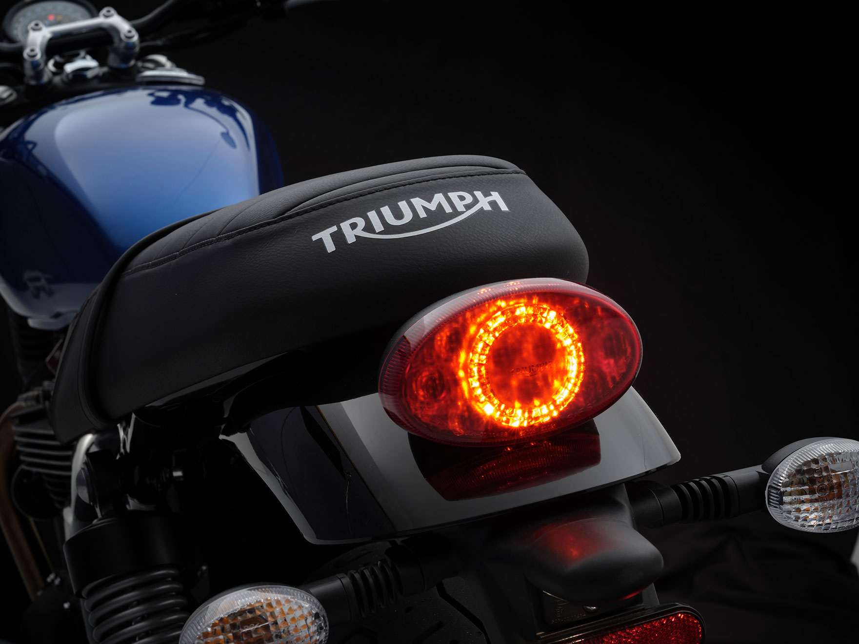 StreetTwin_21MY_1861_BR_Details4