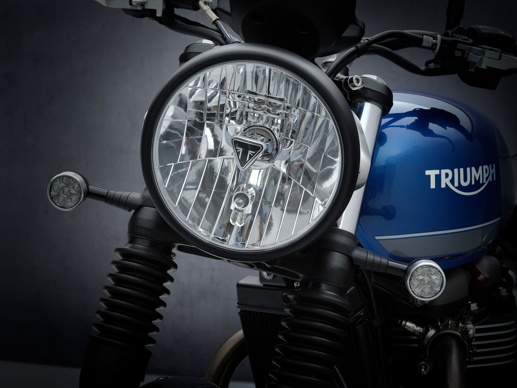 StreetTwin_21MY_1861_BR_Details5