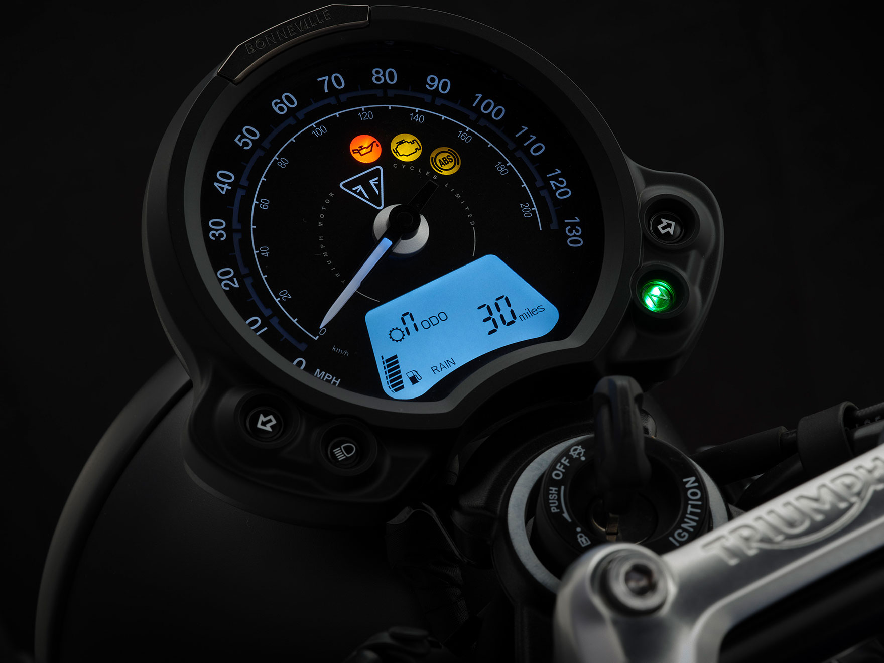 StreetTwin_21MY_1861_BR_Details_2