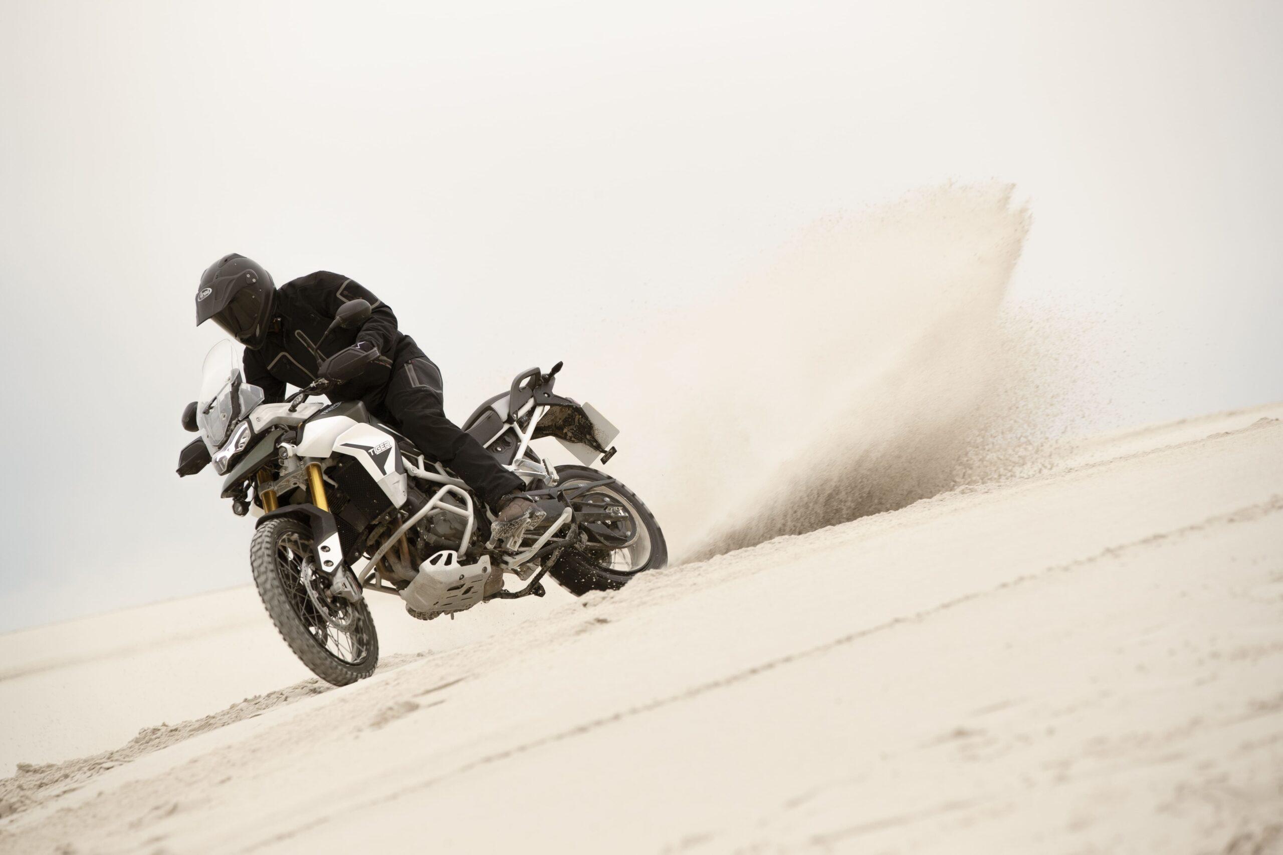 tiger-900-rally-pro-20MY-AZ4I8073-AB-1